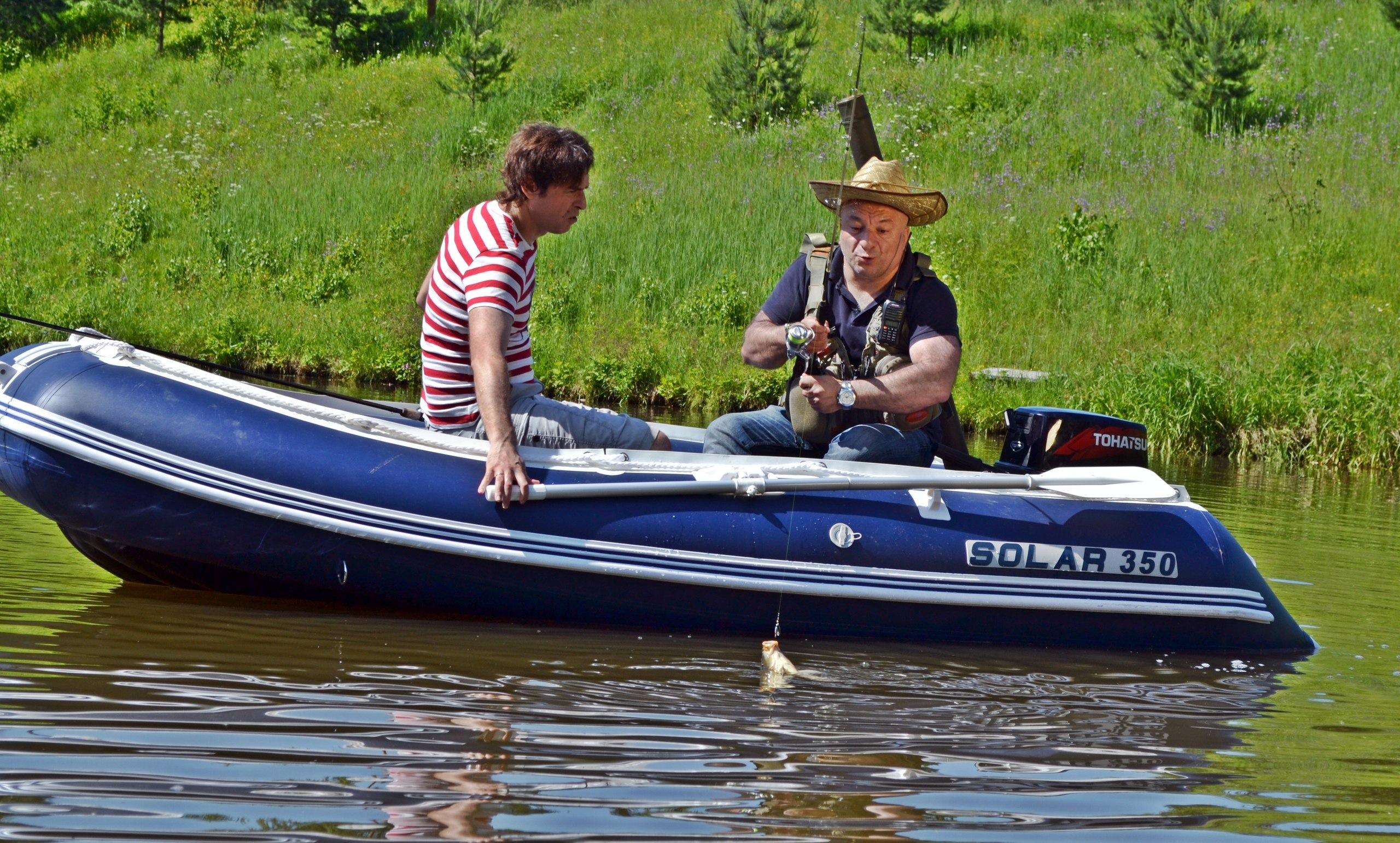 Нужны ли права для управления лодкой с мотором