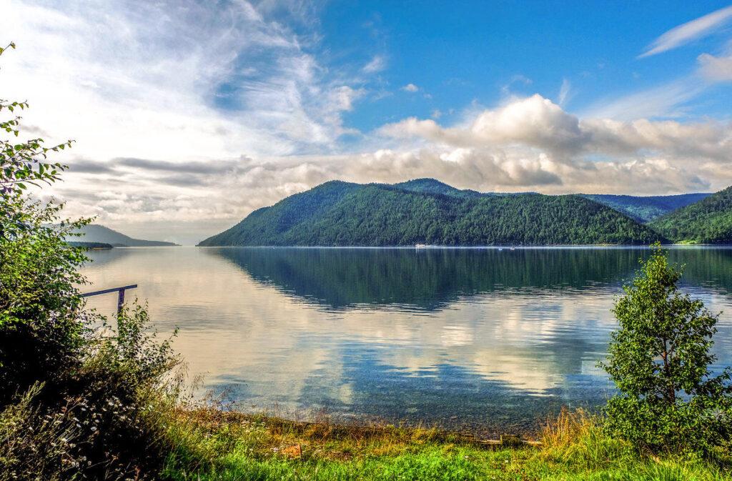 Топ-5 лучших мест для рыбалки в России