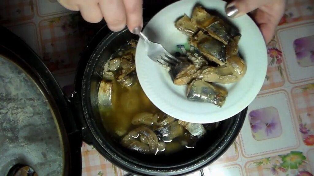 Как легко и без лишних усилий приготовить консервы из речной рыбы в мультиварке
