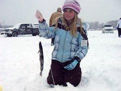 Восьмилетняя рыбачка из Северодвинска заняла седьмое место в первенстве города по подледной ловле