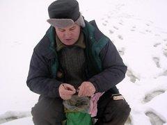 В Омске Седельниковские рыбаки массово взялись за удочки